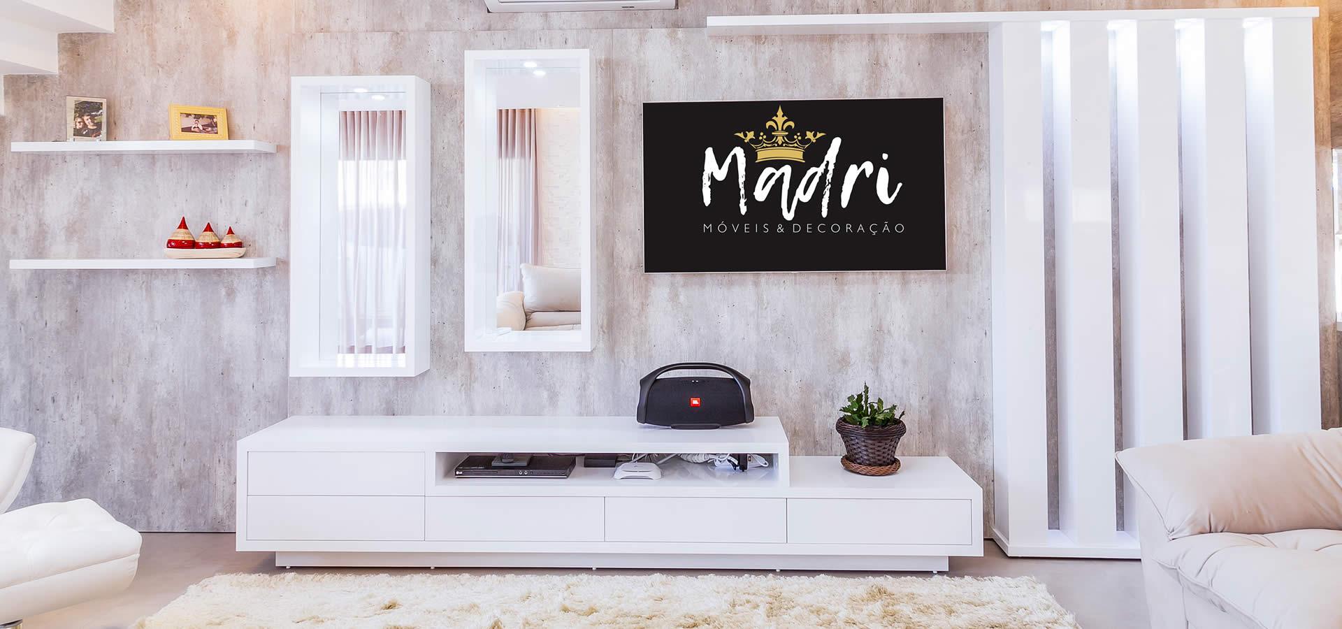 Salas com móveis planejados